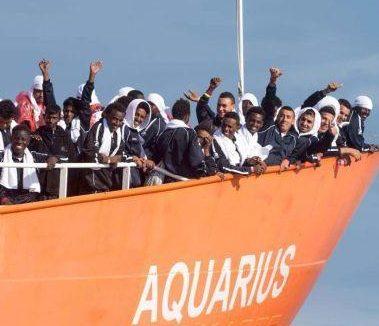 Aquarius vicina alla Spagna