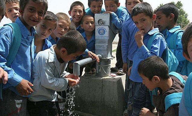 A scuola senza acqua potabile