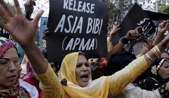 Asia Bibi finalmente libera. Salva perché si è saputa garantire conoscenza e informazione