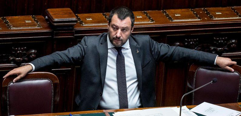 """""""I grandi centri di accoglienza vanno superati"""". Anzi no. Se Salvini contraddice se stesso"""