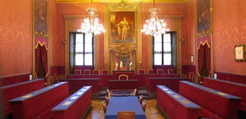"""Immigrazione e sicurezza, Torino """"sospende"""" il decreto Salvini"""
