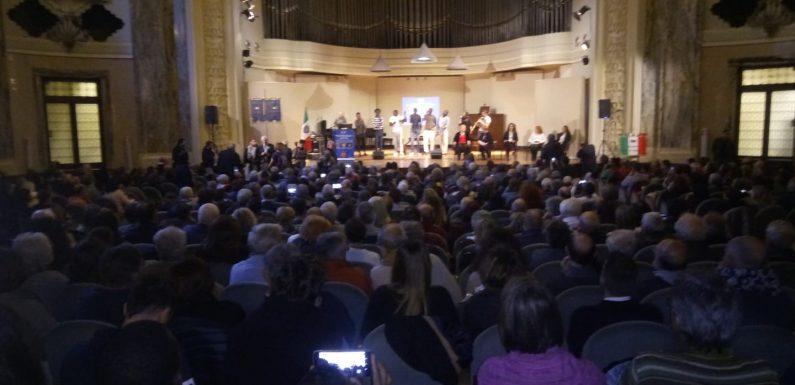 Consegnata la tessera ad honorem dell'ANPI a Ilaria Cucchi, Domenico Lucano e Ugo Nespolo