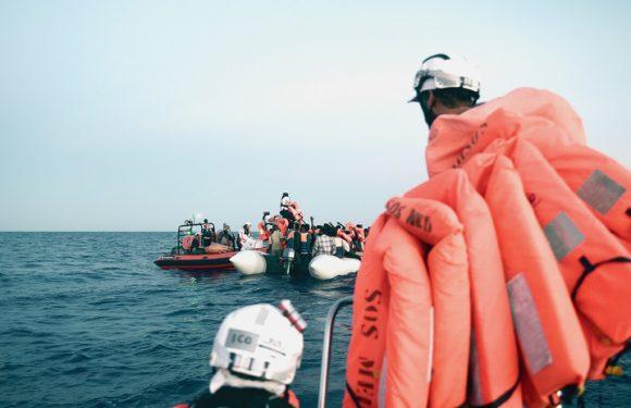 Le accuse mosse all'Aquarius viste da un medico che ha lavorato sulle navi di soccorso