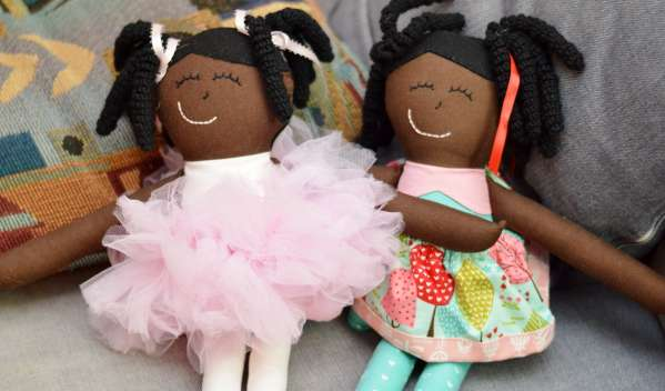 Codroipo, no alle bambole nere negli asili