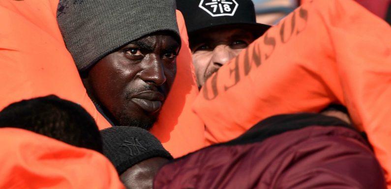 Migranti, 12 morti al largo della Spagna