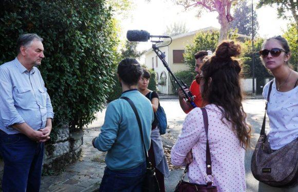 Ascoltare un paese in cuffia: a Reggiolo l'esperienza di un'audioguida partecipata
