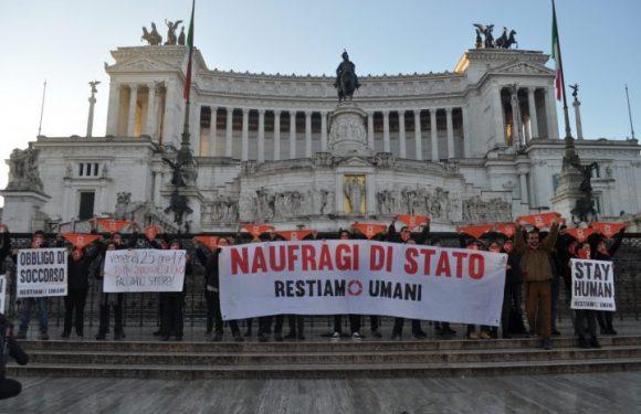 """Azione della rete Restiamo Umani all'Altare della Patria lancia il presidio """"Frontiere visibili, persone invisibili"""" del 25 gennaio a Roma"""