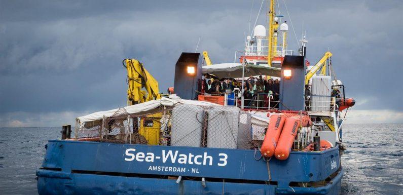 Ecco la diffida al governo per accogliere i 49 migranti bloccati in mare