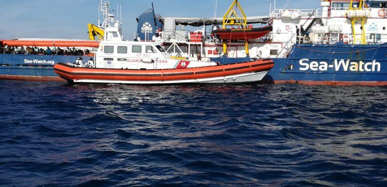 """""""Sea Watch"""", i migranti a bordo sono stremati"""