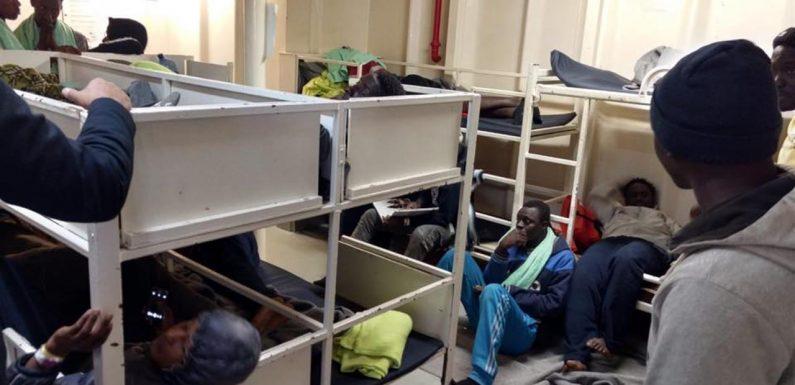 """#SeaWatch3, Autorità garante infanzia: """"I minorenni presenti a bordo devono sbarcare subito"""""""