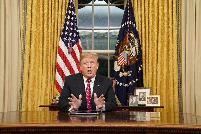 epa07270373 US President Donald J. Trump speaks to the nation in his first-prime address from the Oval Office of the White House in Washington, DC, USA, 08 January 2019. A partial shutdown of the federal government has gone on for 17 days following the president's demand for 5.7 billion US dollars for a border wall while Democrats have refused. EPA/CARLOS BARRIA / POOL