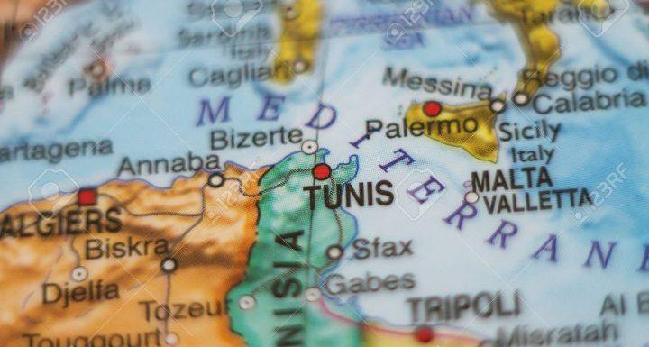 """Tunisia. Otto anni da rivoluzione, risarciti i """"resistenti"""". Primi indennizzi per abusi durante governi Bourguiba e Ben Ali"""