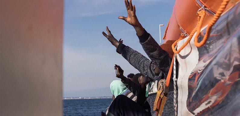 Ricordate i migranti della Sea Eye e Sea Watch? Sono ancora bloccati a Malta