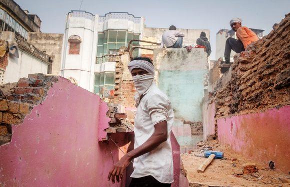 Tra le macerie di Varanasi, una pagina buia per l'India repubblicana