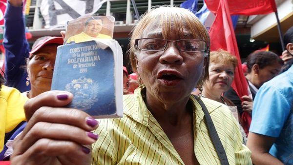 Venezuela, l'opposizione si spacca e fa arrabbiare El País