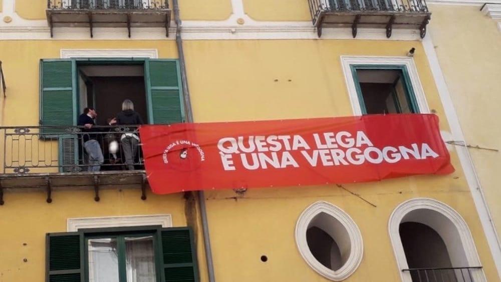 Salvini, Salerno, striscione, contestazione, polizia