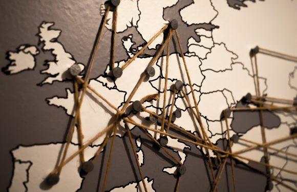 La grande regressione dell'Europa. Intervista a Nadia Urbinati