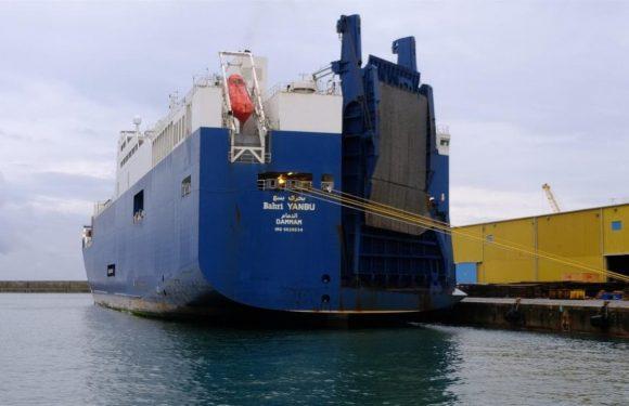 Le associazioni: chiudete i porti alle navi delle armi