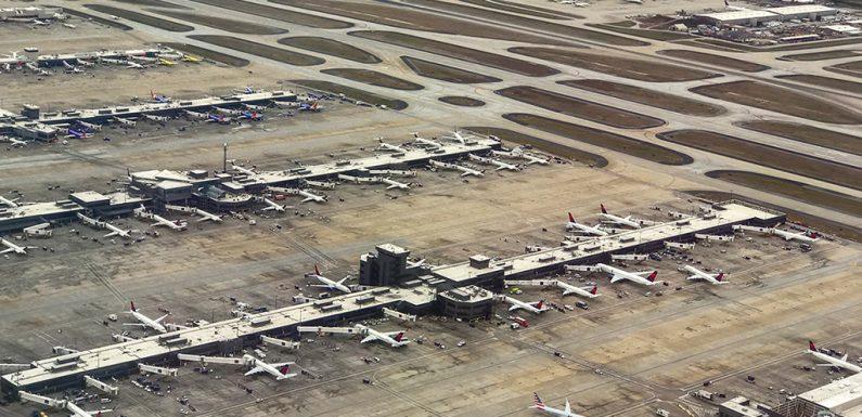 """Il trasporto aereo è il nuovo carbone. Se vogliamo salvare il Pianeta, i nostri voli devono """"decrescere"""". Ecco perché"""