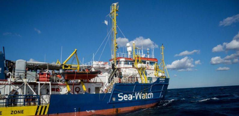 La Sea Watch forza il blocco e va in scena il triste spettacolo dei sovranisti