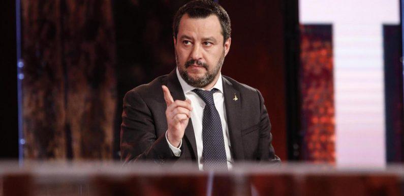 Residenza anagrafica e richiedenti asilo. Salvini fa la guerra ai profughi