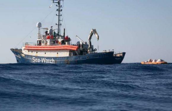 Sea Watch, terzo giorno di scambio d'accuse