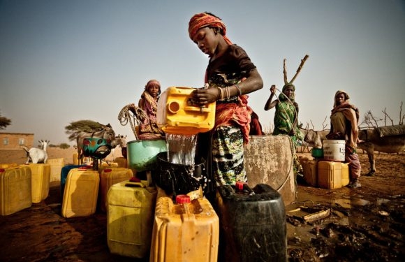 Cooperazione, crolla l'aiuto italiano ai paesi poveri