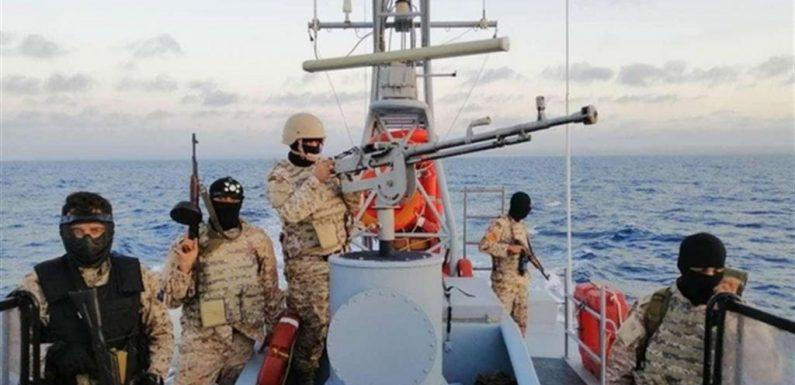 Navi militari per bloccare i migranti