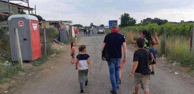 Ritorno al campo rom di Giuliano