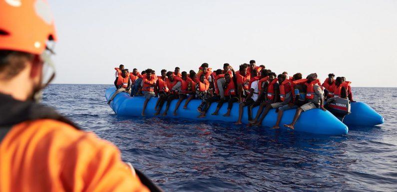 Sea-Eye soccorre altri 65 naufraghi, le Ong continuano a salvare vite umane