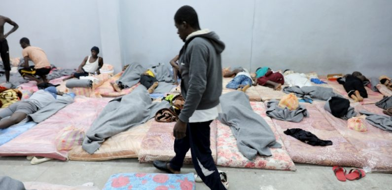 Violenze contro i migranti in Libia: una rete di Ong chiede alla Commissione africana sui diritti umani di indagare