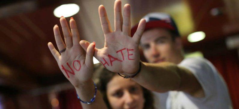 """Appello al governo: che la """"svolta"""" sia soprattutto cambiamento di linguaggio per fermare l'odio"""
