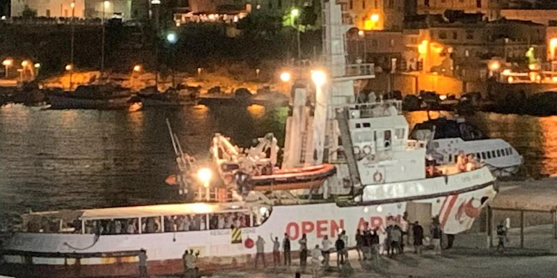 The Spanish humanitarian ship ?Open Arms?, with migrants on board, arrives in Lampedusa island, southern Italy, 20 August 2019. ANSA/ELIO DESIDERIO +++ BEST QUALITY AVAILABLE +++