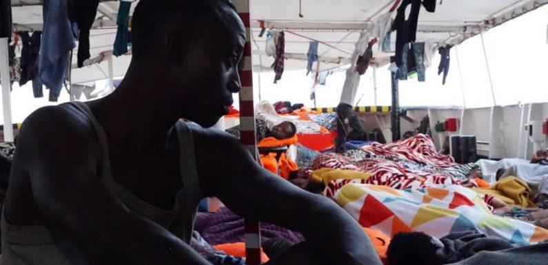 Le norme violate da Salvini e dall'Europa sul soccorso in mare
