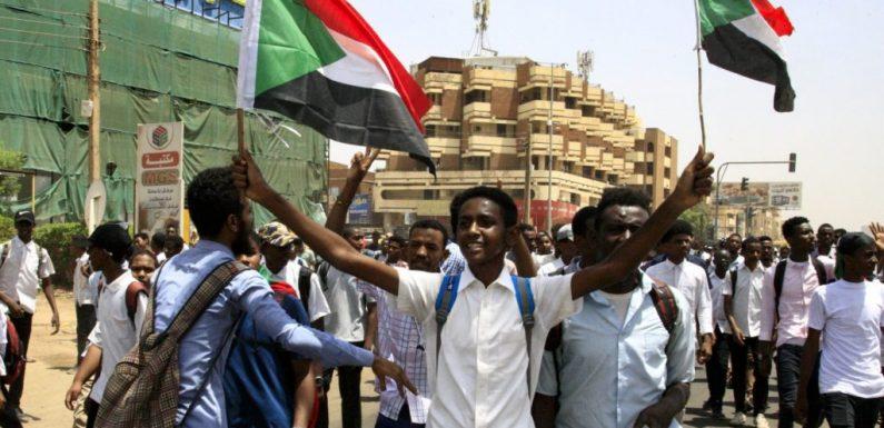 Sudan, massacro di ragazzini che manifestavano pacificamente. Ma il mondo guarda altrove
