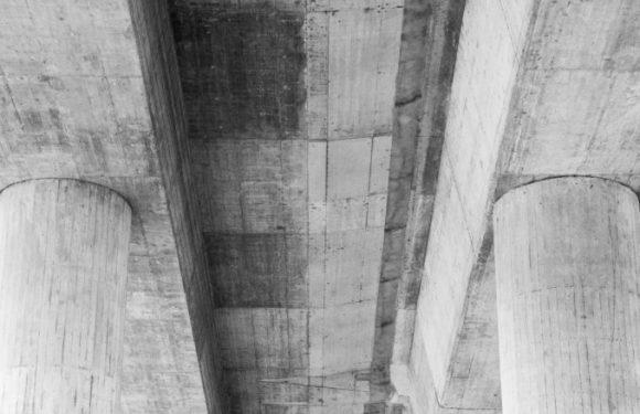 A piedi nudi nel cemento. L'Italia non smette di consumare e sprecare suolo