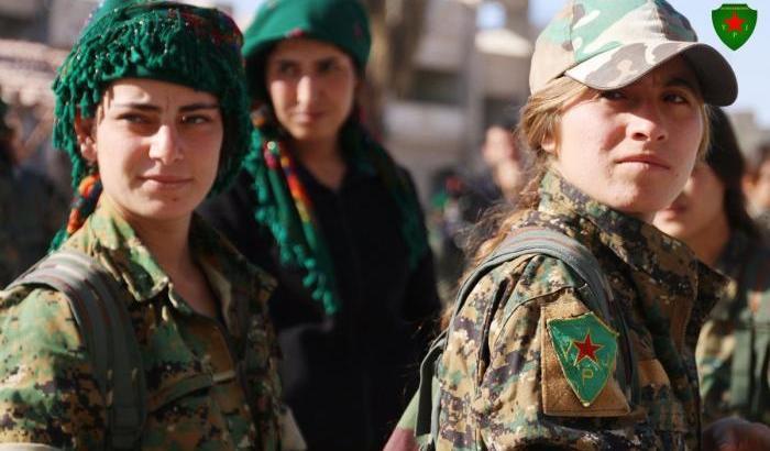 00054111-combattenti-curdo-siriane-delle-ypj