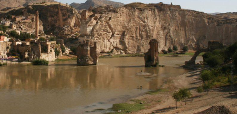 La morte annunciata di Hasankeyf, in Turchia, città millenaria sommersa dall'acqua e dall'ipocrisia