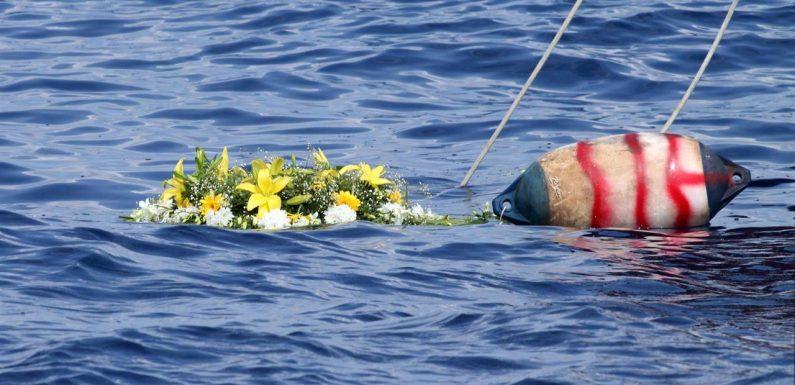 Naufragio Lampedusa, individuati altri corpi: nel fondale una madre abbracciata al figlio