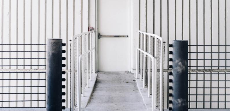 Diritto d'asilo e migrazioni: dieci proposte per invertire la rotta