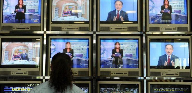 Il grave errore di sottovalutare il ruolo che ha ancora la tv
