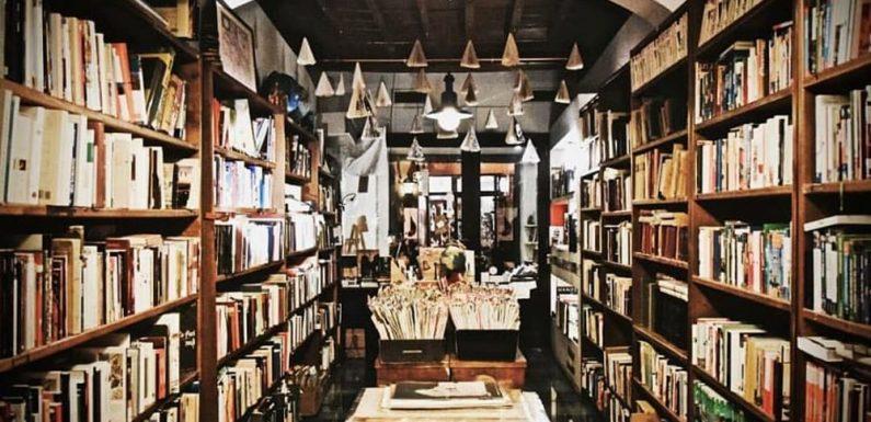 La libreria del Viaggiatore chiude e si mette in viaggio
