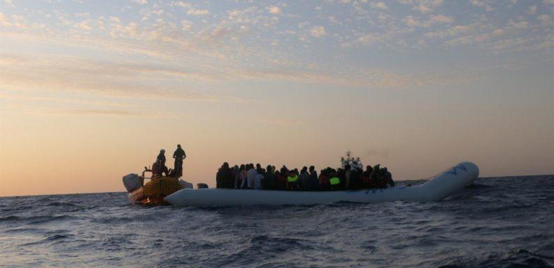 Ocean Viking soccorre 93 persone, a bordo 38 minori