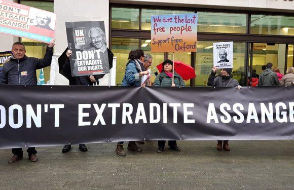 In nome della libertà di informazione, Julian Assange va difeso