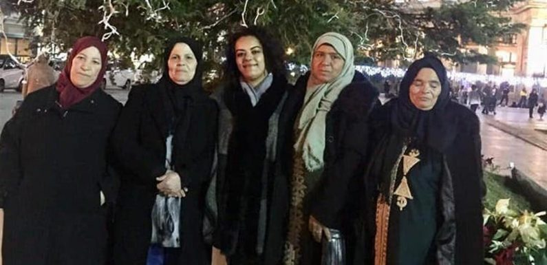 Le mamme tunisine che riconoscono i figli morti nel naufragio