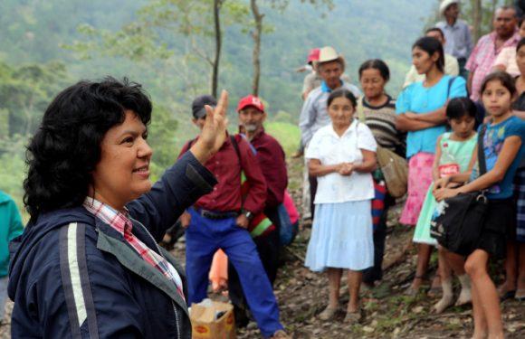 """L'omicidio di Berta Cáceres in Honduras e il ruolo dei vertici della società interessata al progetto """"Agua Zarca"""""""