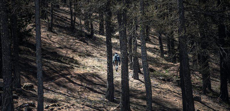 Migranti in fuga sulla rotta alpina: un racconto senza distacco