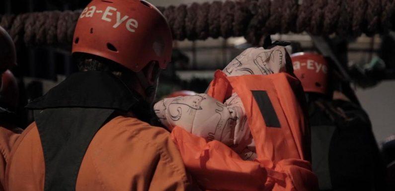 Soccorsi 32 naufraghi libici: pubblicate testimonianze di atroci violenze