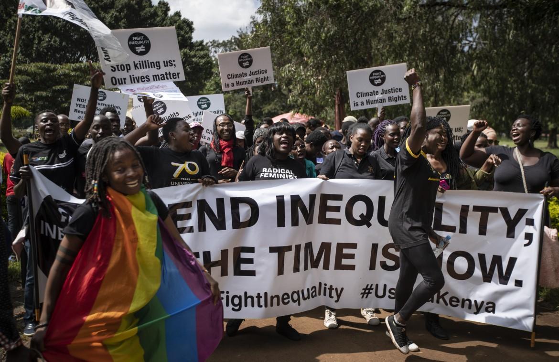 21desk1f01-nairobi-kenya-protesta-diseguaglianza-ap