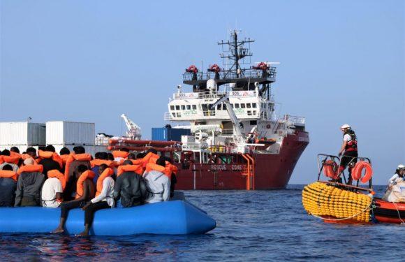 Soccorsi nel Mediterraneo: le persone continuano a partire mentre le navi umanitarie sono rimaste sole